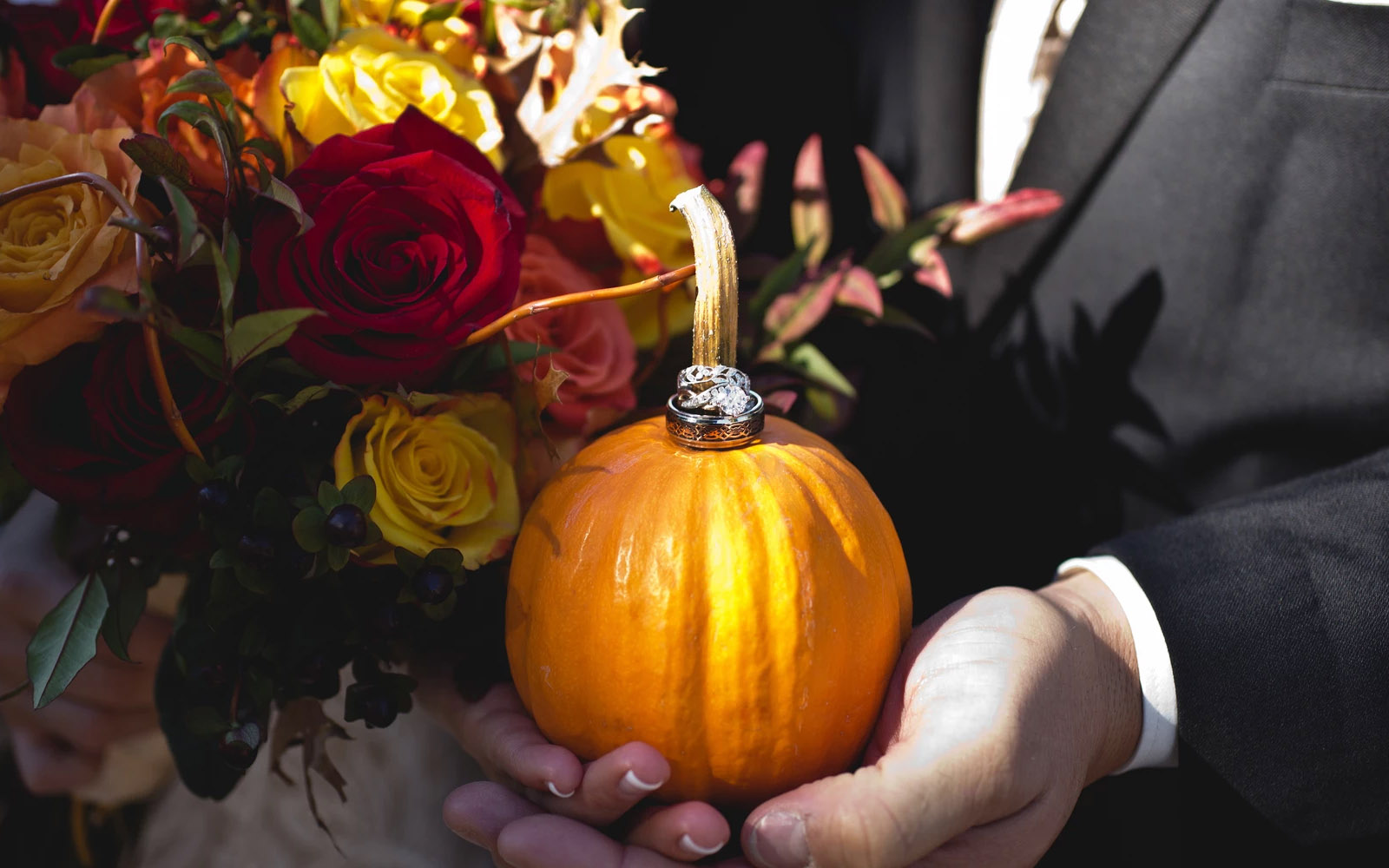 The Pros & Cons Of A Thanksgiving Weekend Wedding